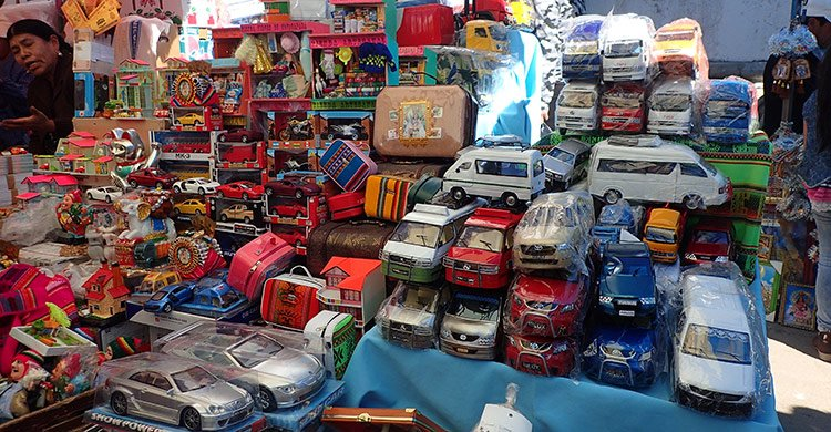 Quelques offrandes en vente pour le baptême de voitures
