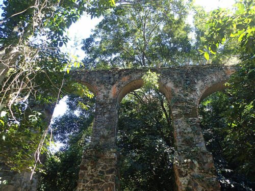 Aqueduc à Ilha Grande