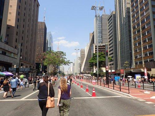Avenue Paulista devient piétonne le dimanche
