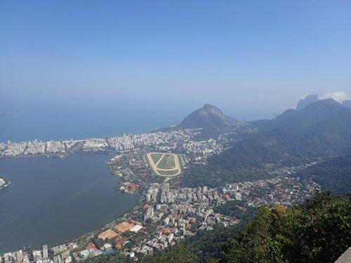 Vue brumeuse depuis le Corcovado