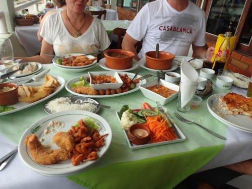 Déjeuner au restaurant Madalazo, à Morretes
