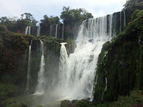 Chute Iguazu vue du sentier inférieur