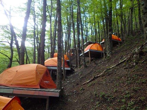 Les tentes du refuge Chileno