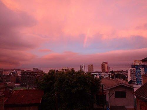 Valparaiso sous les nuages roses