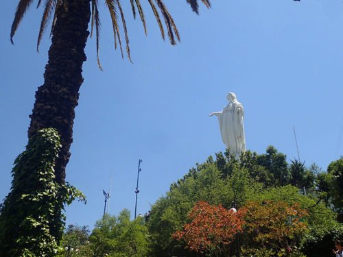 Statue de la vierge Marie sur le Cerro San Cristobal