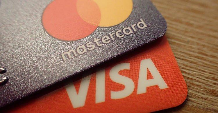 Une Mastercard et une Visa