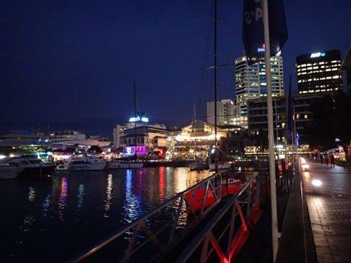 Le quartier de Viaduct Harbour de nuit