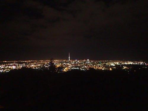 Vue depuis le Mont Eden de nuit