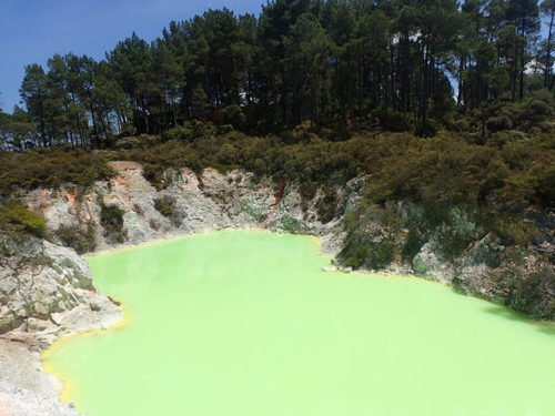 Le bain du diable au parc de Wai-O-Tapu