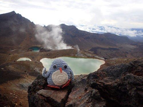 Pablo pose devant les lacs d'émeraude