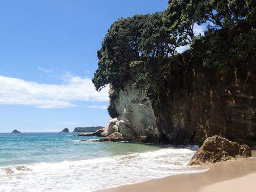 La plage paradisiaque de Cathedral Cove