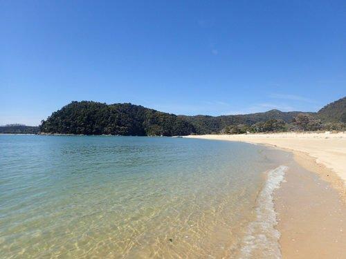 la plage de Torrent Bay sur sur l'Abel Tasman Coast Track