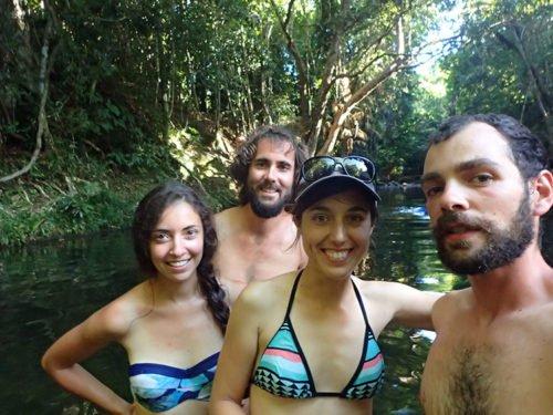 Les Avencurieux et les Manalas dans un swimming hole dans la Daintree Forest