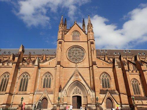 La Cathédrale Sainte Marie à coté de Hyde Park