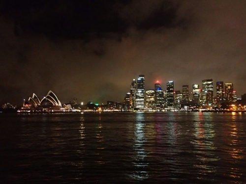 Vue sur l'opéra de Sydney depuis le Luna Park