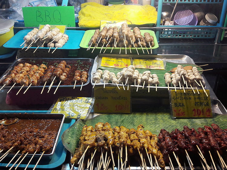 Brochettes au Night Market de Krabi