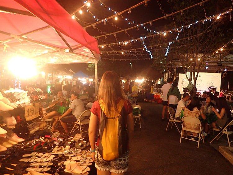 Emilie de retour au Phuket Indy Market