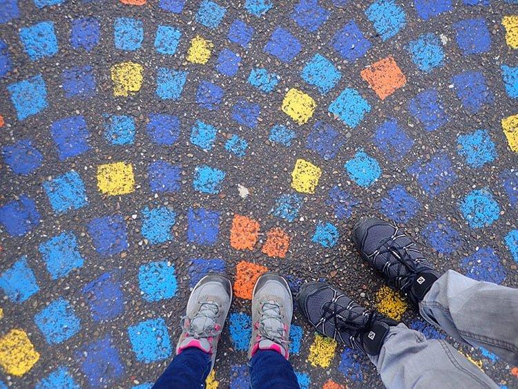 Les pavés colorés de la rue des enfants, à Strasbourg