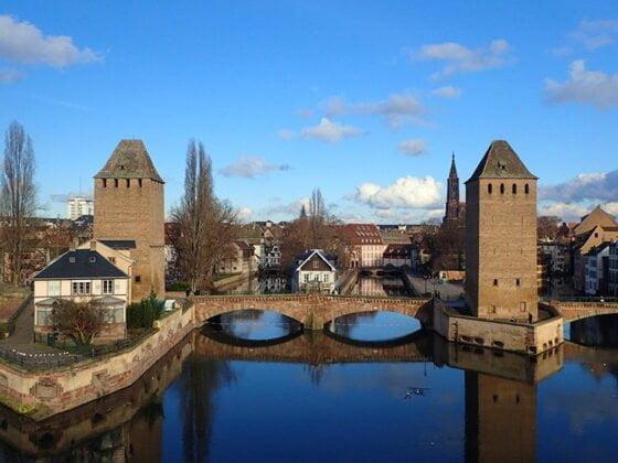 Les ponts couverts et leurs tours de garde