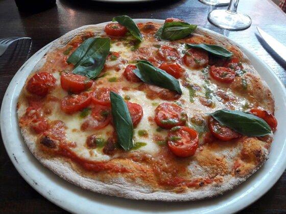La pizza Saint-Pierre de Rome de chez Peppone