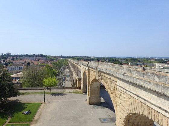 L'aqueduc Saint Clément, derrière la place du Peyrou