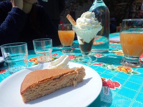 Goûter au mas Guilhou au hameau de Navacelles