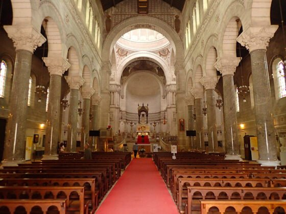 Intérieur de la basilique Saint-Martin, à Tours