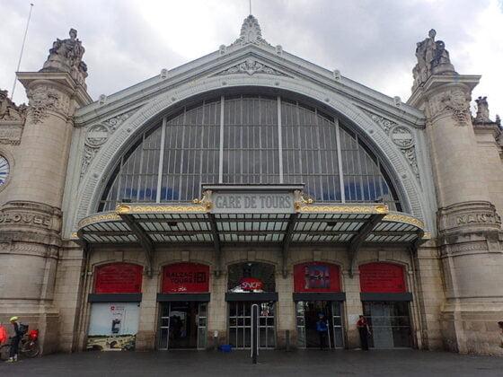 Extérieur de la gare de Tours
