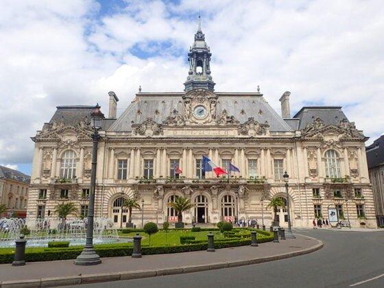 Le magnifique hôtel de ville de Tours